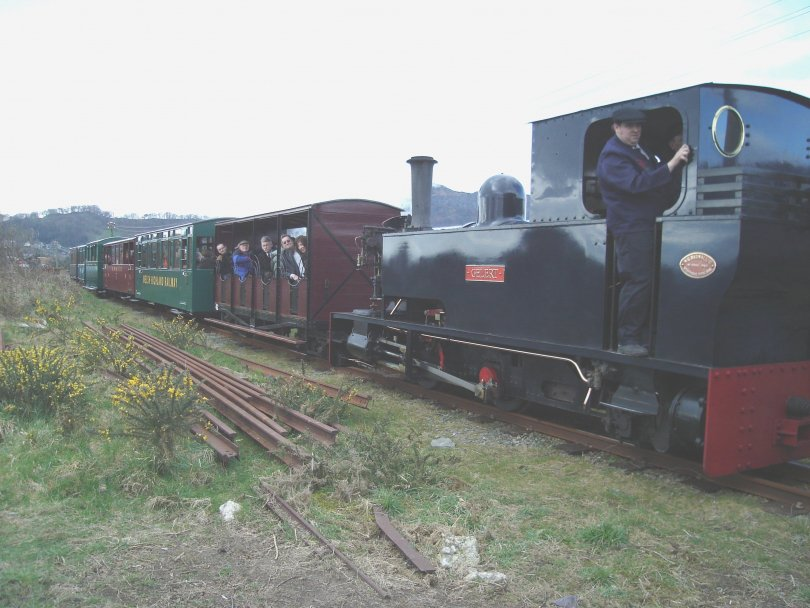 The%20first%20train%20approaches%20Penymount