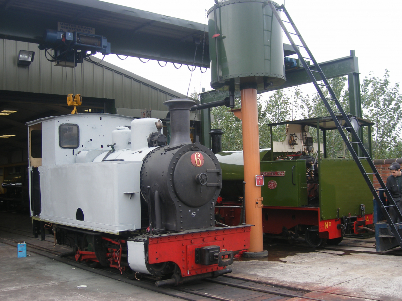 the%20loco%20sits%20outside%20the%20works%20next%20to%20resident%20Trangkil%20No%204