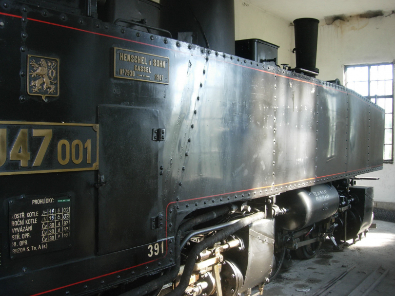 steam%20loco%20in%20shed%20at%20Nova%20Bystrice