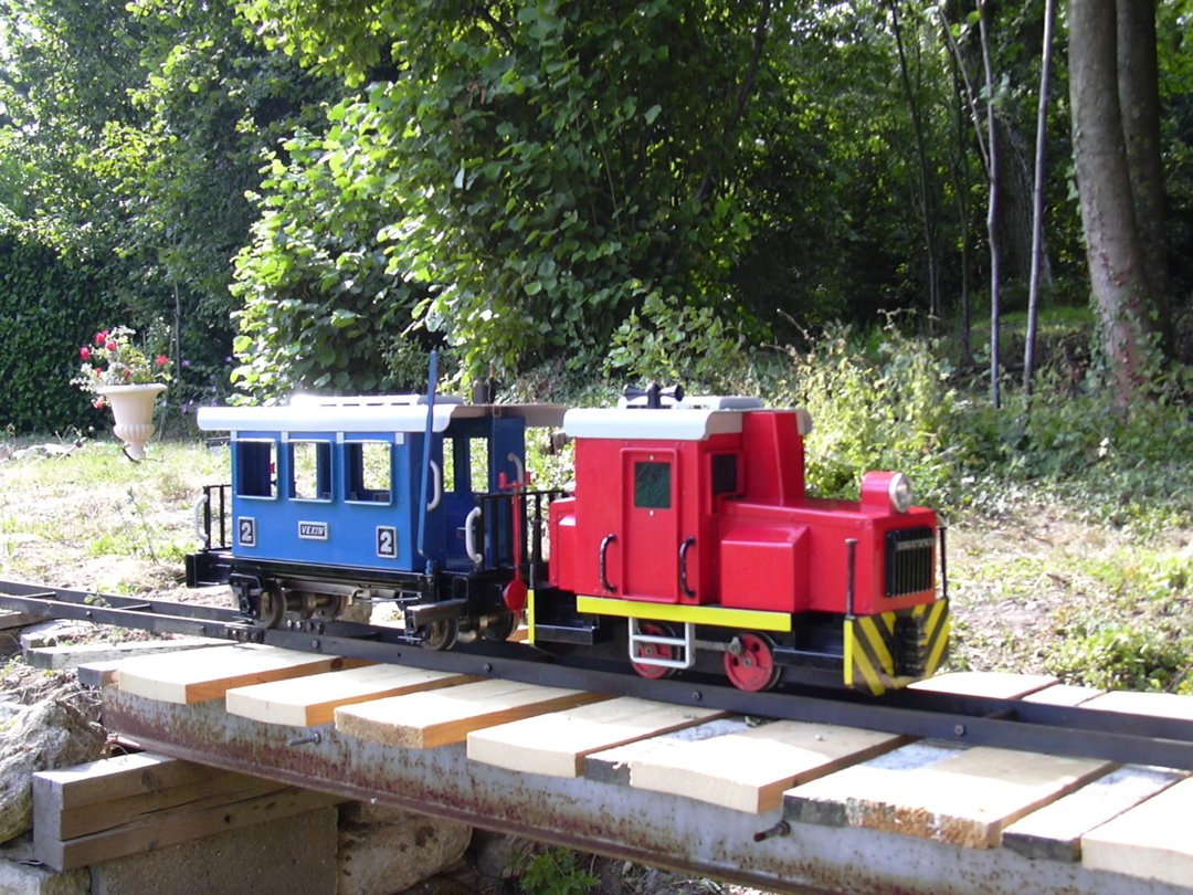 Playmobil Locomotive on Five