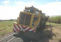 "Loco #22 derails crossing the 3'6""."